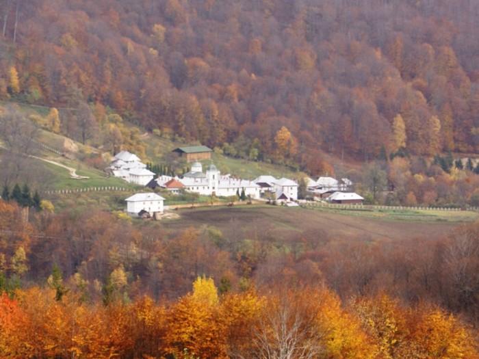 Manastirea-Frasinei-Muereasca